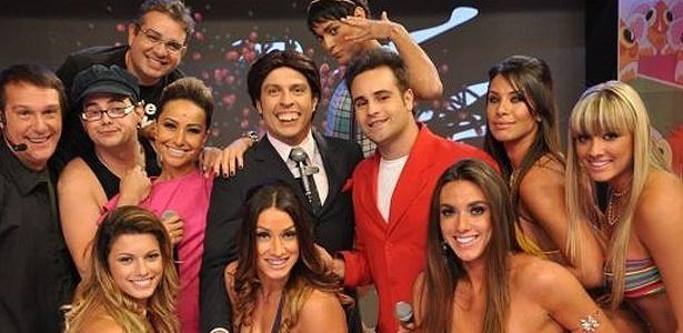 http://n.i.bol.com.br/entretenimento/2010/09/28/elenco-da-temporada-2010-do-programa-panico-na-tv-2892010-1285715388399_615x300.jpg