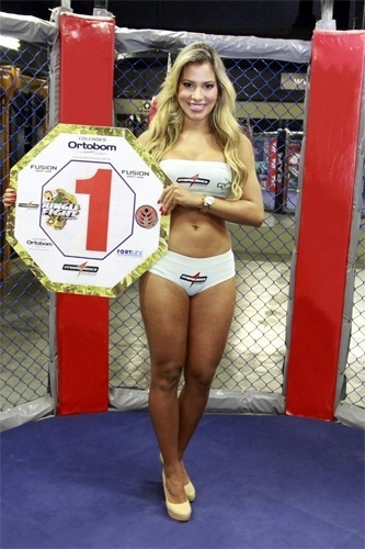As Ex-BBBs Jacqueline Faria e Adriana Sant'Anna (foto) sero Ring Girls do Jungle Fight, maior evento de MMA da Amrica Latina, no prximo dia 31 de maro, em So Paulo (12/3/12).
