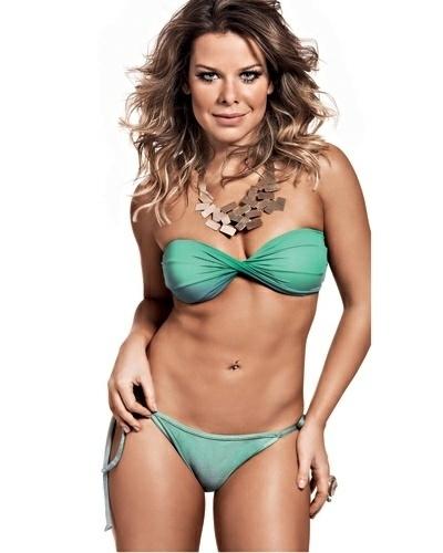 Fernanda Souza está em sua melhor forma física. Com o abdômen superdefinido, a bela credita a conquista aos treinos aeróbios que tem realizado, especialmente o Muay Thai, que pratica cinco vezes por semana.