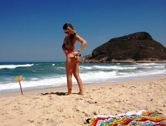 Com um biquíni pequenino, Marianne Ranieri, candidata do Piauí, fez um ensaio para mostrar os atributos que vai disputar no Miss Bumbum 2012. A competição vai ser realizada no dia 30 de novembro em São Paulo (4/12/12)