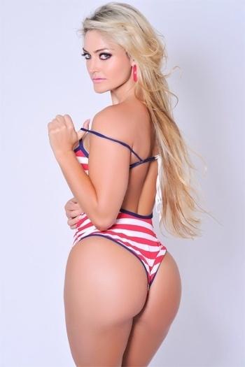 A disputa continua forte entre as candidatas ao Miss Bumbum 2012. Quem divulgou um novo ensaio exibindo o corpão para o concurso foi Laura Keller, mais conhecida como a ex-Mulher Múmia.