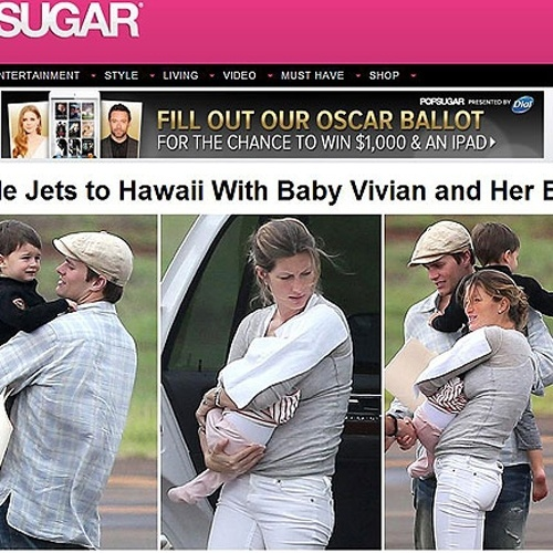 7.fev.2013 - Gisele Bndchen, 32, e Tom Brady, 35, levaram os filhos Vivian, de apenas 2 meses, e Benjamin para o Hava. A famlia chegou em um jatinho. A caula veio no colo da me, que j est aparentemente com o corpo de antes da gravidez