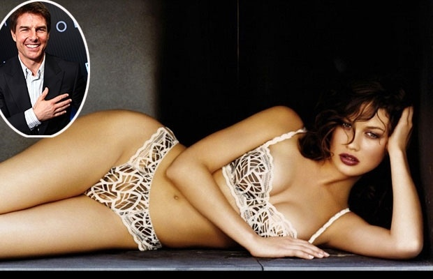 28.mar.2013 - Nascida na Ucrnia, a modelo Olga Kurylenko, 33 anos, chegou na ltima quarta-feira (27) ao Brasil, apontada como menina dos olhos de Tom Cruise. O astro estaria encantado com a beleza da morena, que contracena com ele no filme 