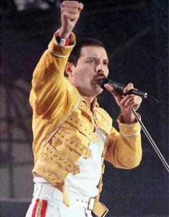 Freddie Mercury priorizou a performance durante os shows desde o começo