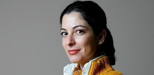 Ana Paula Padrão, ex-Rede Globo, se confundiu na Record, seu atual emprego