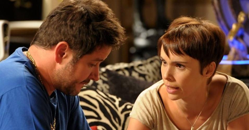 """Tufão (Murilo Benício) e Nina (Débora Falabella) em cena de """"Avenida Brasil"""""""