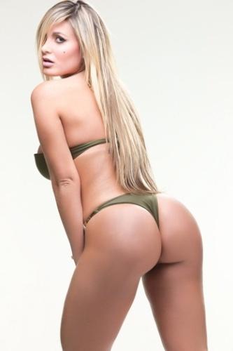 Após cair no ranking de votação do Miss Bumbum, a ex-latinete Andressa Urach resolveu dar uma alegria aos fãs fazendo um ensaio com direito a topless com o fotógrafo Marco Pinto (3/10/12). Andressa caiu da primeira posição para a terceira. As quinze mais